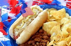 Patriotische Hotdog-Mahlzeit Stockfoto