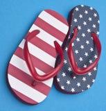 Patriotische rote weiße und blaue Flipflop-Sandelholze Stockbilder
