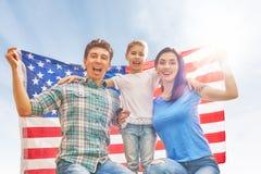 Patriotischer Feiertag Glückliche Familie Lizenzfreies Stockfoto