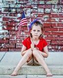 Patriotisches kleines Mädchen auf Beschränkung Lizenzfreies Stockfoto