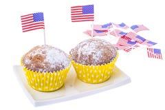 Patriotisk ferie 4th juli: muffin med amerikanska flaggan Arkivbild