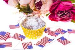 Patriotisk ferie 4th juli: muffin med amerikanska flaggan Royaltyfri Fotografi