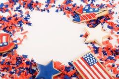 Patriotisk konfettibakgrund av 4th Juli Arkivfoton