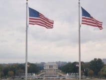 Patriotisk sikt av Lincoln Memorial Arkivbilder