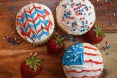 Patriotiska muffin för Juli 4th beröm Royaltyfri Fotografi