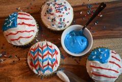 Patriotiska muffin för Juli 4th beröm Arkivbilder