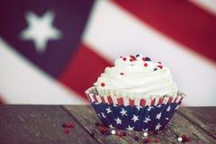 Patriotiskt 4th Juli eller Memorial Day muffin Fotografering för Bildbyråer