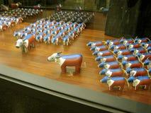 Patriottische Karbouwen, Groengordel 5 Wandelgalerij, Makati, Filippijnen stock afbeeldingen