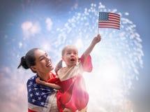 Patriotyczny wakacje szczęśliwa rodzina Fotografia Royalty Free