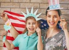Patriotyczny wakacje szczęśliwa rodzina Obrazy Stock