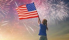 Patriotyczny wakacje szczęśliwy dzieciak zdjęcia royalty free