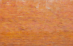 Patroon van baksteendak bovenop Thaise tempel in Phrae-provincie Stock Fotografie
