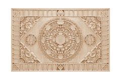 Patroon van bloem op hout voor decoratie wordt gesneden die Stock Fotografie