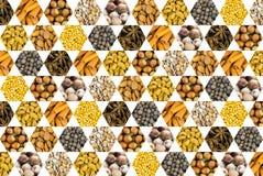 Patroon van de kruiden van de de cachouhazelnoot van de notenkokosnoot en van graankorrels geel honingraatpictogram op witte acht stock fotografie