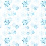 Patroon van sneeuwvlokken en Kerstboomballen Stock Foto's