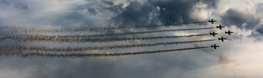 Patrouille-suisse aerobatic Geschwader von der Schweizer Luftwaffe Lizenzfreie Stockfotografie