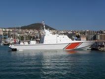 Patrouilleboot in haven royalty-vrije stock afbeeldingen