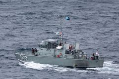 Patrouillenboot VOEA Savea P203 der tongaischen Verteidigungs-Dienstleistungen Abreisesydney harbor lizenzfreies stockbild