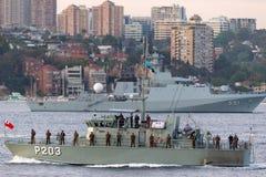 Patrouillenboot VOEA Savea P203 der tongaischen Verteidigungs-Services in Sydney Harbor lizenzfreie stockfotografie