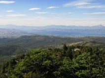 Patrzeć Evia isalnd, chalkida miasto od dużej wysokości, góra Parnitha, Grecja Obrazy Stock