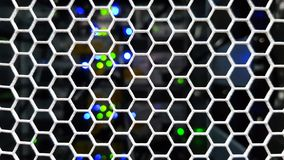 Patrzeć przez honeycomb wzoru drzwi wśrodku nowożytnego dużego dane serweru stojaka fotografia stock