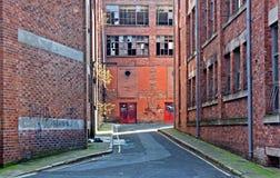Patrzeć w dół alleyway zdjęcie royalty free