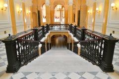 Patrzeć w dół Marmurowego schody w Uroczystym Gatchina pałac Zdjęcie Stock