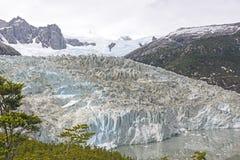 Patrzeć w dół na Alpejskim lodowu fotografia royalty free
