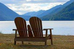 patrzeć na jezioro Obrazy Royalty Free