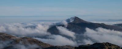 Patrzeć nad chmury od Beinn Ime Zdjęcie Royalty Free