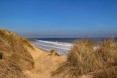 Patrzeć w kierunku piasek diun przy Winterton na morzu Zdjęcie Royalty Free