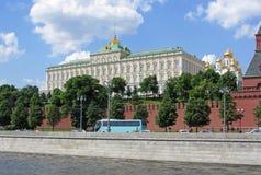 Patrzeje architekturę Kremlin Obrazy Royalty Free