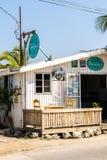 Patsys CoffeeShop op de klippen van Negril in het Westenbeëindigen, Negril, Westmoreland stock afbeelding