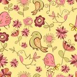 Pattarn des lustigen farbigen Vogels und der rosa Blumen auf einem Gelb Lizenzfreie Stockbilder