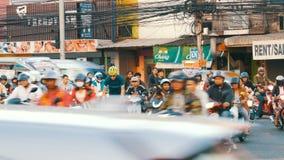 Pattaya, Ταϊλάνδη - 20 Δεκεμβρίου 2017: Τεράστια ασιατική κυκλοφορία στην οδό Ένας μεγάλος αριθμός motobikes στέκεται φιλμ μικρού μήκους