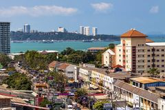 Pattaya, Ταϊλάνδη, 17 03 2013 Φωτογραφία από τη στέγη του μέρους ξενοδοχείων της πόλης που αγνοεί το λιμένα και τη θάλασσα Στοκ φωτογραφίες με δικαίωμα ελεύθερης χρήσης