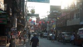 PATTAYA, ΤΑΪΛΑΝΔΗ - το Μάρτιο του 2017 CIRCA: Δρόμος με έντονη κίνηση της πόλης Pattaya στο σούρουπο απόθεμα βίντεο