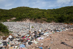 PATTAYA, 30 AUGUSTUS: Huisvuilvijver in Koh Larn-eiland in Pattaya, Stock Fotografie