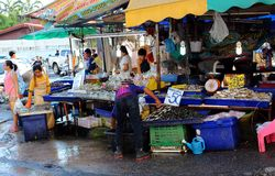 Trade in seafood on Thai market stock image
