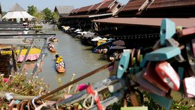 Pattaya Floating Market. Tourist Wooden Boat moving along the Water. Thailand, Asia. PATTAYA, THAILAND, DECEMBER 16, 2017: Pattaya Floating Market. Small Tourist stock video