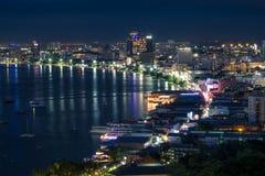 Pattaya stad på natten, Chonburi landskap, Thailand Arkivfoto