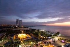 Pattaya stad på solnedgången Royaltyfria Bilder