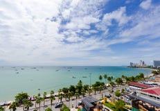 Pattaya stadssikt från hög poäng på aftonen Fotografering för Bildbyråer