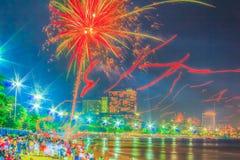 Pattaya, Tailândia - 31 de dezembro de 2012 - 1º de janeiro de 2013: Colorido Fotografia de Stock Royalty Free