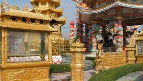 PATTAYA, TAILÂNDIA - 17 DE JANEIRO DE 2018: Templo chinês Ang Force em Pattaya Templo original bonito no estilo chinês vídeos de arquivo
