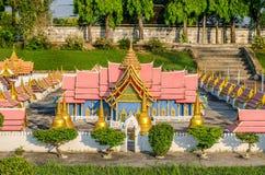 PATTAYA, TAILANDIA - 10 de abril de 2016: Señal de Wat Phra Srisunpetch de Ayutthaya, en Mini Siam Fotografía de archivo