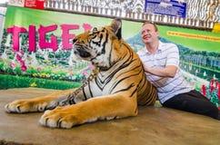 Pattaya, Tailandia:  Demostración del tigre. Fotografía de archivo libre de regalías