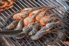 Pattaya, Tailandia enarena el bocado asado a la parrilla los mariscos del camarón de la isla Imagenes de archivo