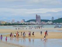 PATTAYA, THAÏLANDE - 20 AOÛT 2017 : Paysage de Pattaya de ville Photo libre de droits