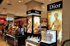 Pattaya, Thaïlande : Dior Cosmetics au mail de festival images libres de droits